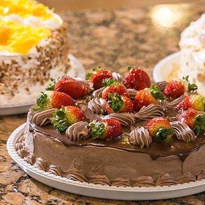 Seção de Tortas e bolos da Casa Tradição Goulart